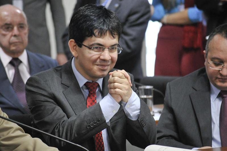 Senador Randolfe Rodrigues é o autor do requerimento de instalação da CPI da Covid