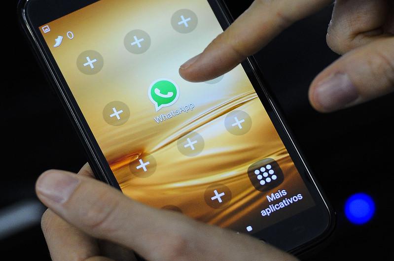 Com o Whatsapp fora do ar, usuários precisaram buscar alternativas em outros aplicativos (Foto: Marcos Oliveira/Agência Senado)