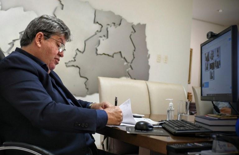 Novo decreto assinado pelo governador João Azevêdo fecha bares e restaurantes nos fins de semana
